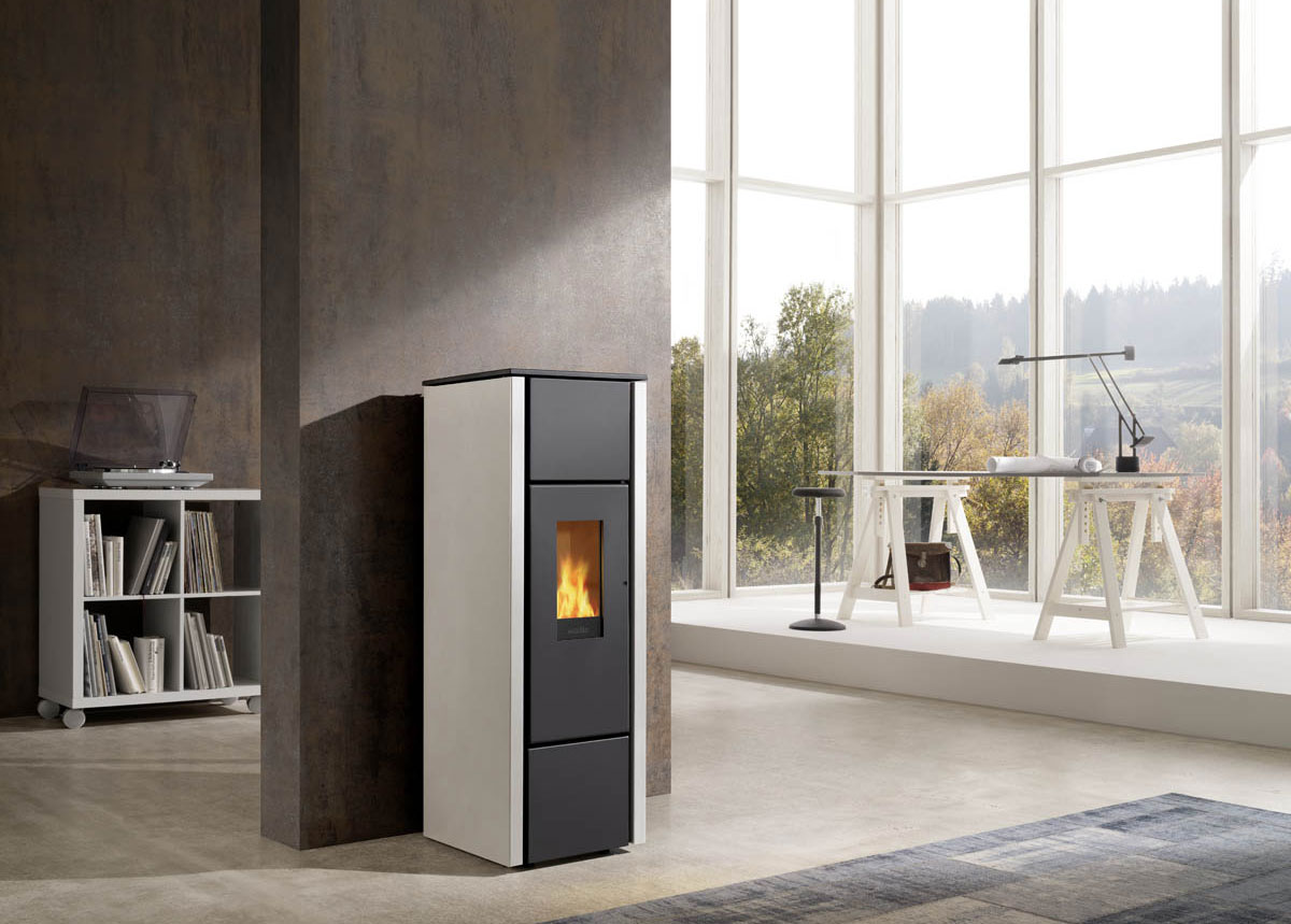 wodtke family nrg light 2017 pelletkachel smederij waldor. Black Bedroom Furniture Sets. Home Design Ideas